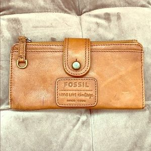 Leather wallet with vintage look